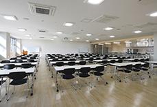 14 2階 会議室兼研修室.jpg